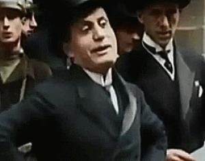 Gif avec les tags : Mussolini,benito,parler